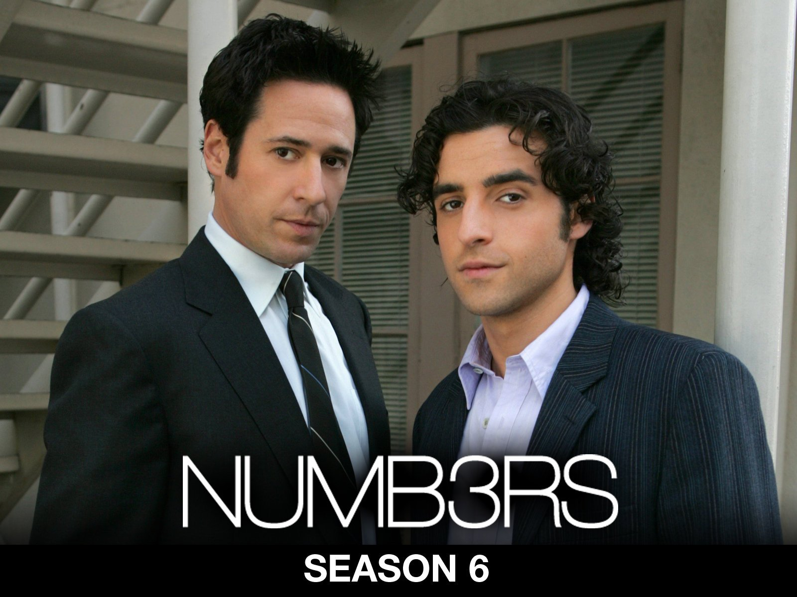 Rob Morrow, David Krumholtz are posing for a picture